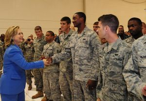 640px-secretary_of_state_delivers_message_of_praise_to_andersen_servicemembers_dvids3345061